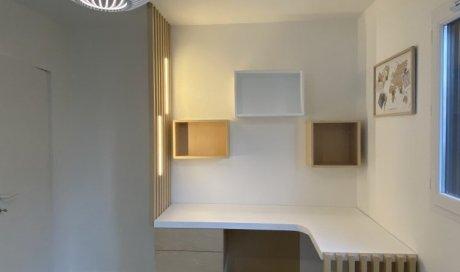 créations haute gamme d'un bureau fait sur mesure pour un espace de télétravail a proximité de Lyon 6