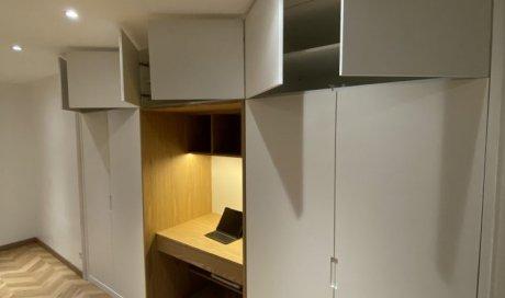 Création d'un dressing haut de gamme et sur mesure avec bureau intégré a l'intérieur à proximité de Ecully